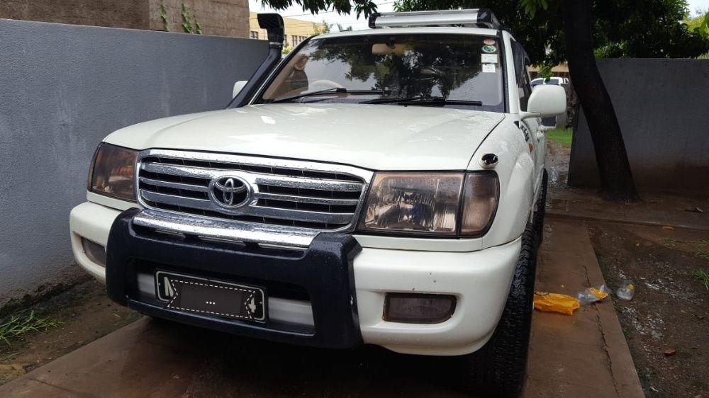 Toyota land cruiser v8-vx limited