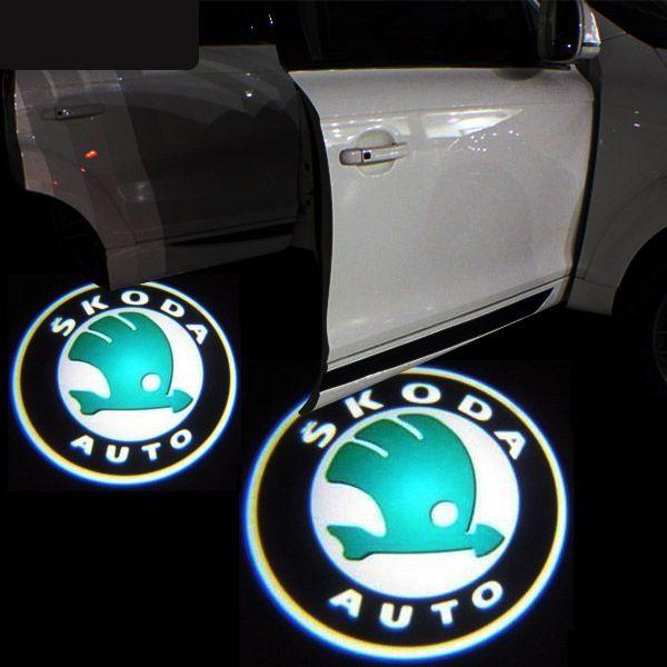 Proiector laser cu logo/marca Skoda pentru iluminat sub usa