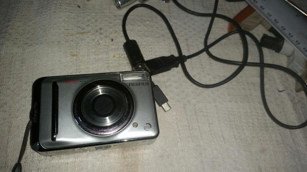 Aparat camera foto digitala FujiFilm FinePix A700 7.3mp fusa piele