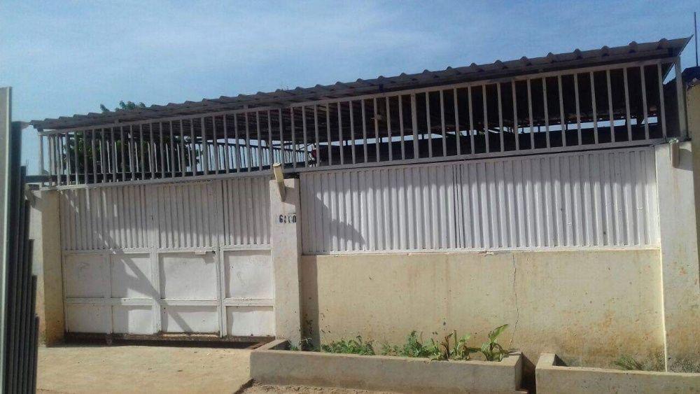 Vendo esta casa do tipo T3 em Viana, bairro Jacinto Tchipa.