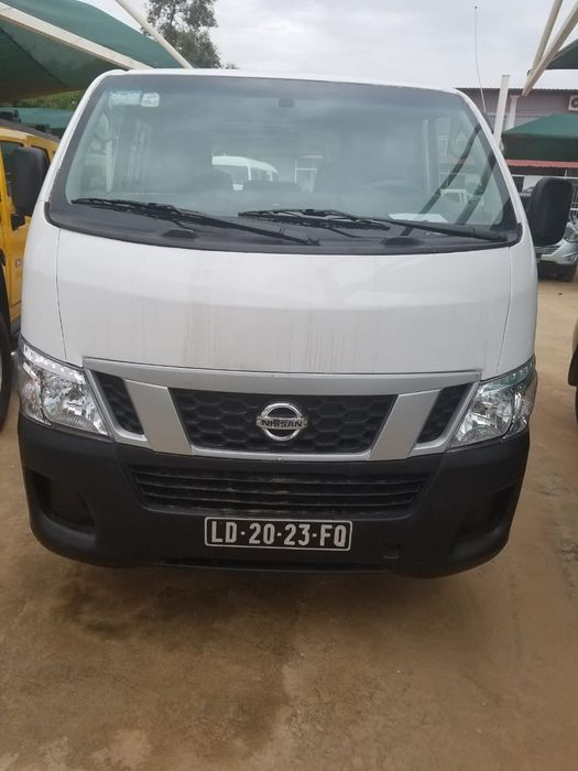 Vendo Nissan Urvan