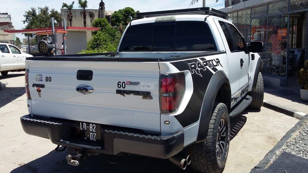 Ford F150 Raptor limpa como nova