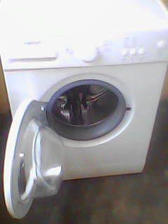 Vendo Máquina de Lavar Automática Digital C/ Capacidade de 6 Kg