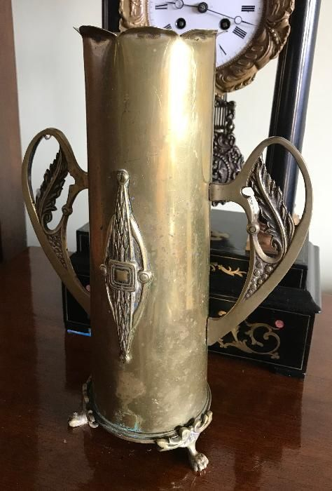 Nr.495 Vas / vaza din alama, confectionata din obuz, primul razboi Art