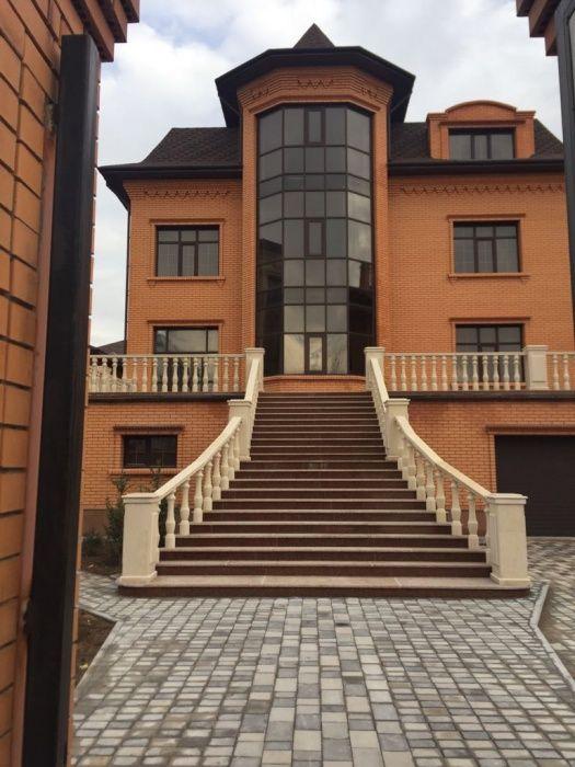 Продам коттедж в Комсомольском, 1040 кв., улучшенная черновая