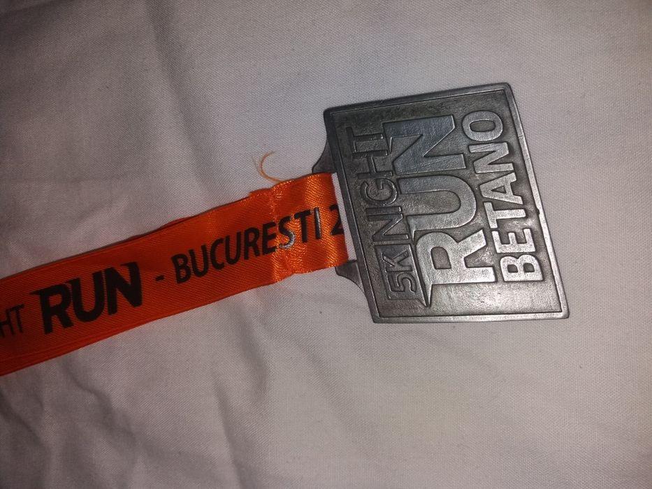 Medalie maraton 2018 night run, alergare, marathon, sport, colectie