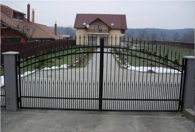 Porti fier ,confectii metalice,gard beton pavele