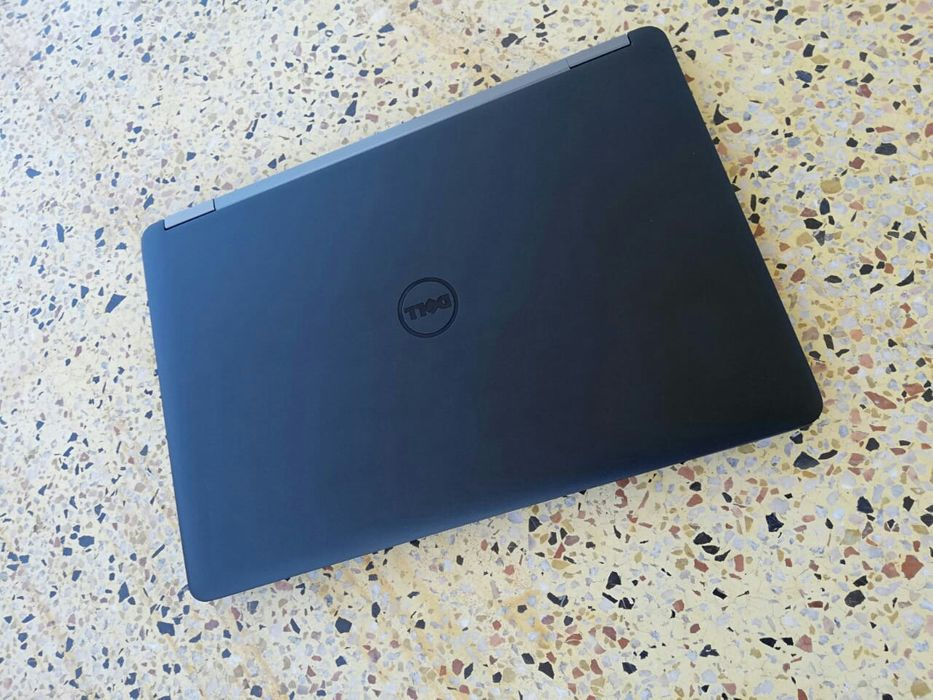 Laptop dell corei 5.com 1tb 8gb dupla grafica