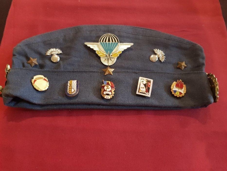 bonete militare cu insigne RPR, RSR,USA,URSS,