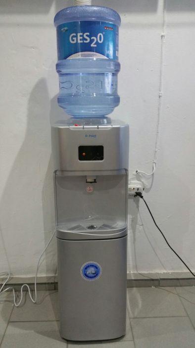 Dispensador de água 20L 3 in 1 com refrigerador novos na caixa