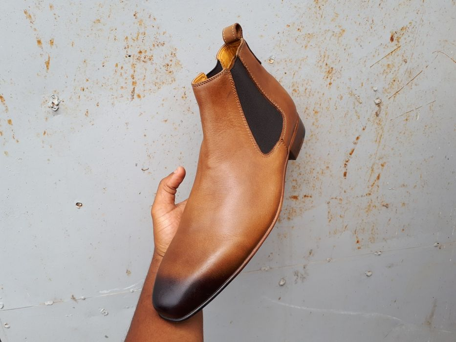 Vende se sapatos botas