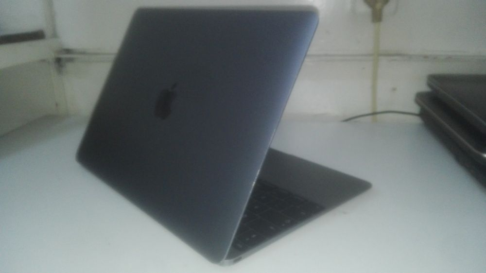 MacBook Pro CoreM UltraSlim Super Novo Bairro Central - imagem 1