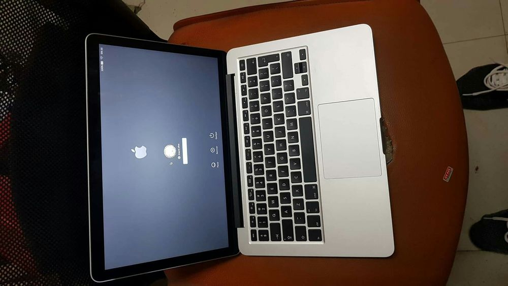 MacBook Pro 13 Retina Core i5 8GB RAM 256GB SSD em bom estado