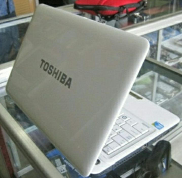 Computador Toshiba á venda