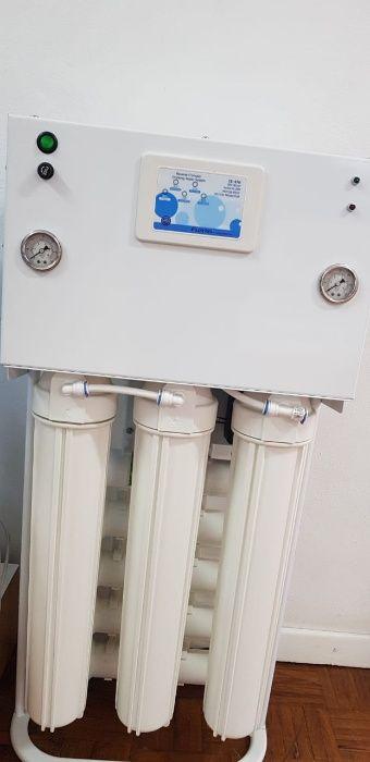 Máquina purificadora de água