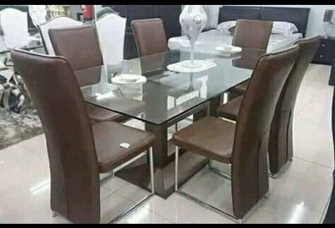 Mesa de 6 cadeiras á venda