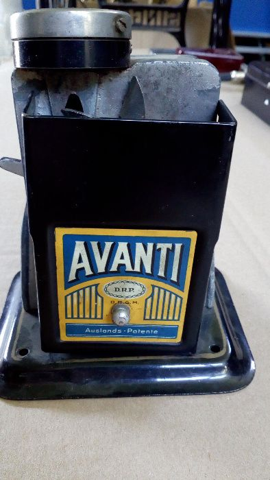 Стара острилка за моливи Avanti 1920г.