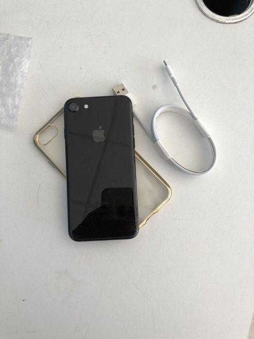 iPhone 8 Normal com 64gigas super limpo com oferta de pasta , cabo e Malhangalene - imagem 2