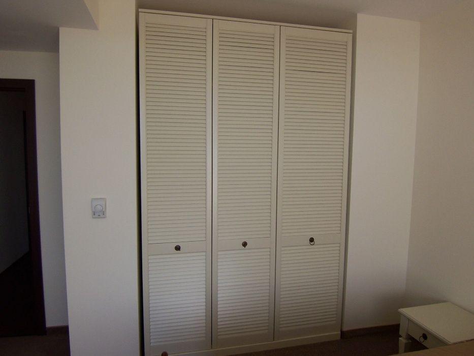 Жалузни врати за гардероби - Хотелско озбавеждане, къщи за гости