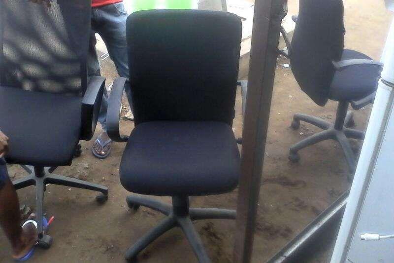 Cadeiras de escritorio originais cada