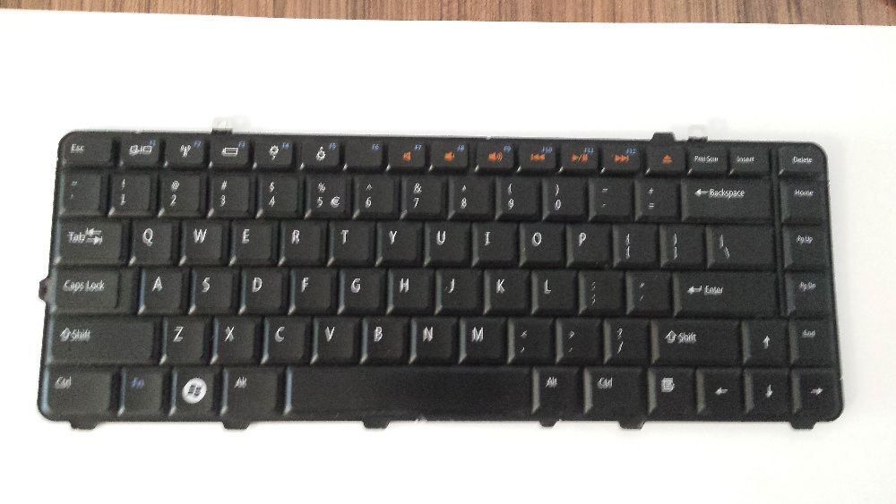 Tastatura originala laptop Dell Studio 1555 (Model V080925CS1)