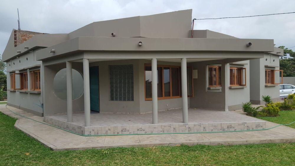 Vende se casa t3 bairro 'Matola Rio Km 16 .