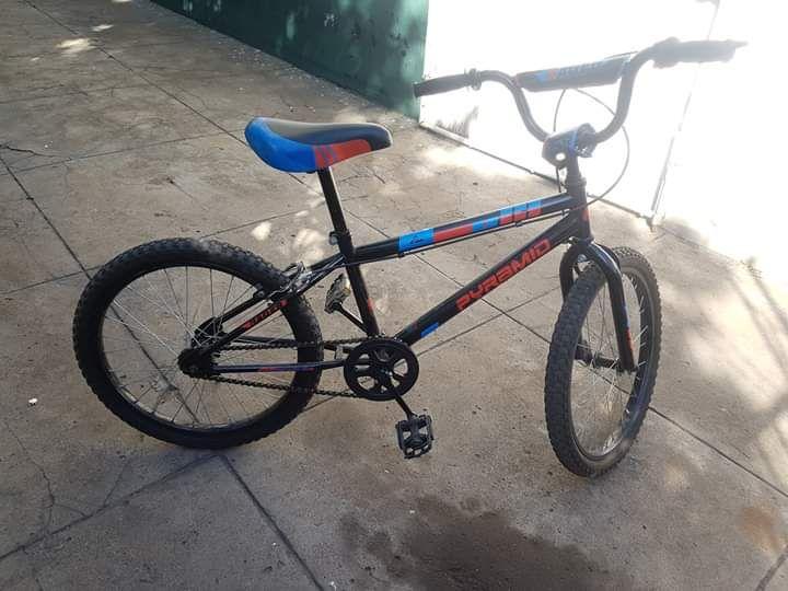 Bicicleta Semi-nova, se nenhum problma , a 4500 sem desconto