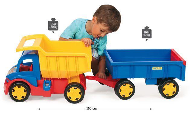 Camion gigant cu remorca