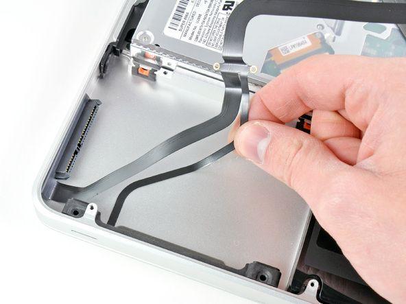 Шлейф для жесткого диска на MacBook. Если показывает папка с вопросом