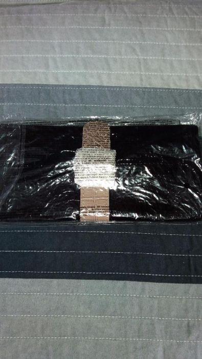 Черно лачено портмоне