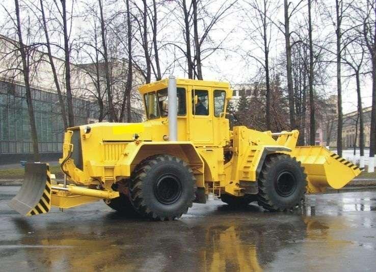 Трактор колесный К-701, тягового класса 5
