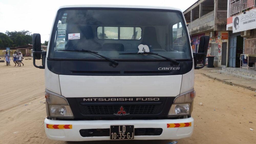 Mitsubishi Canter limpa