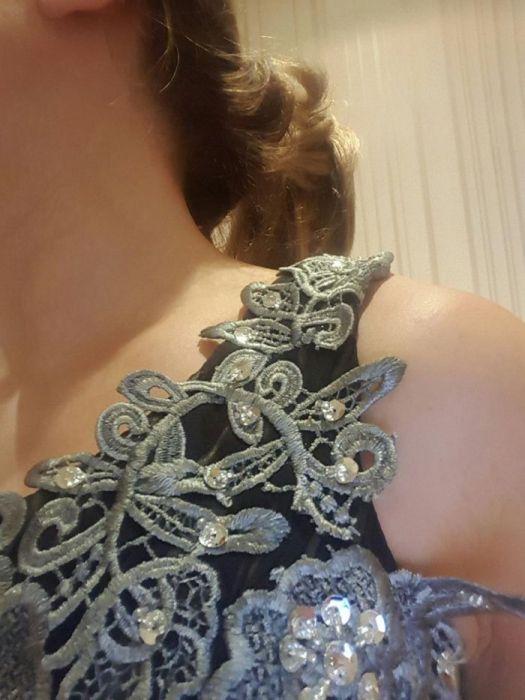 Класическа официална рокля-шифон, дантела, М размер. Изгодно!