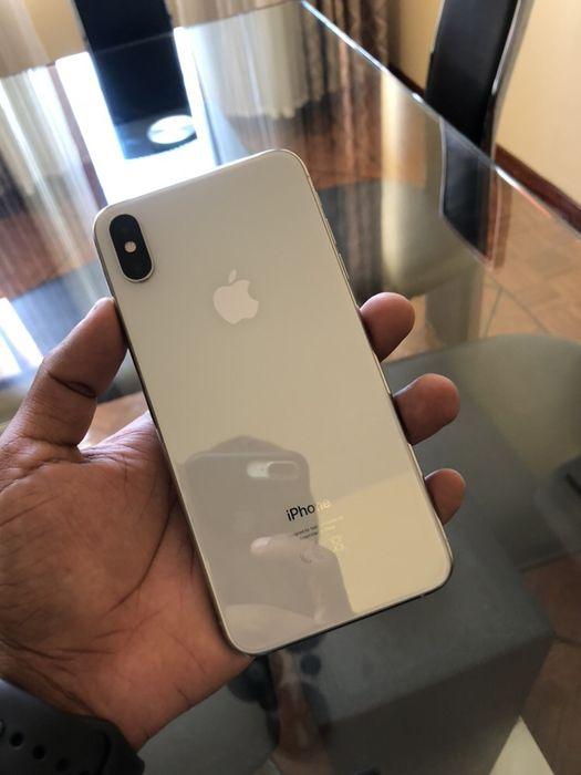 iPhone X's max branco 64gb ( aceito diferenças)