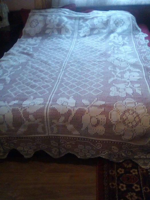 Cuvertura veche de pat cusuta in taietura manual