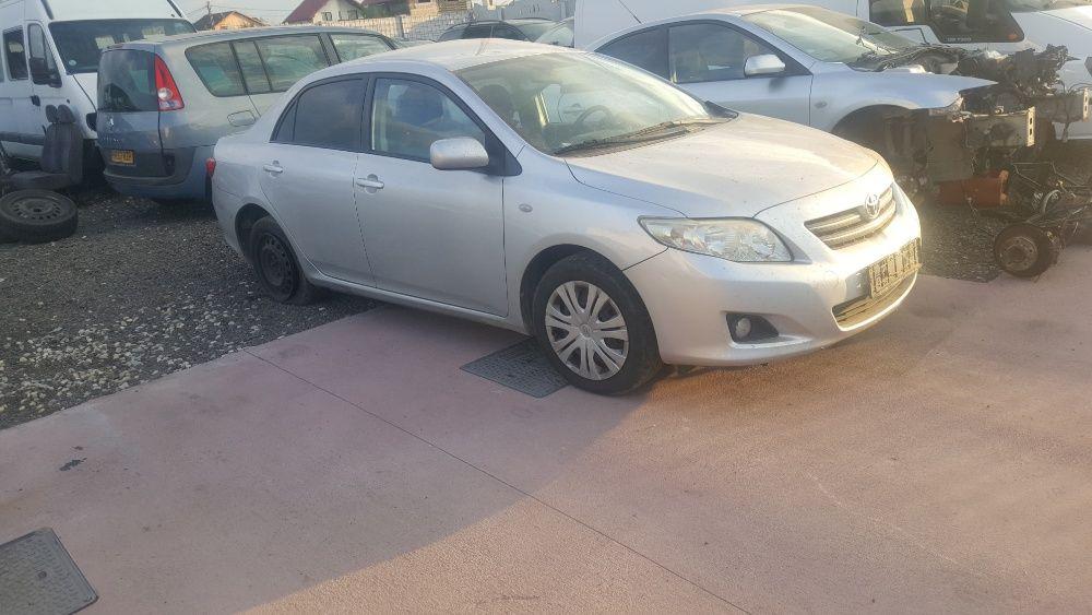 Dezmembrez Toyota Corolla 2010 dezmembrari plansa bord