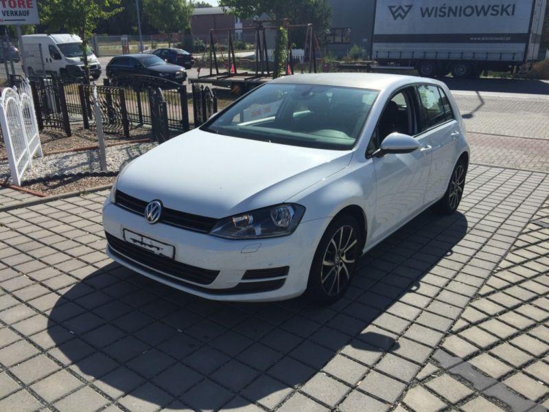 Dezmembrez Volkswagen Golf VII