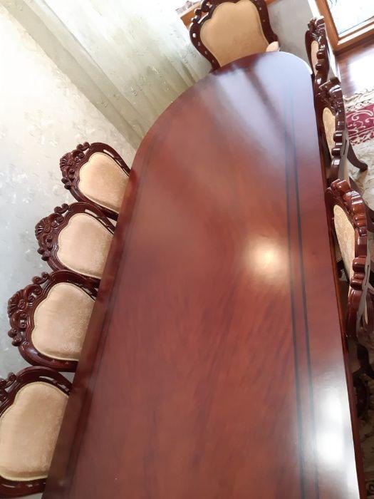 Продам красивый комплект стол с 12 стульями в отл состоянии