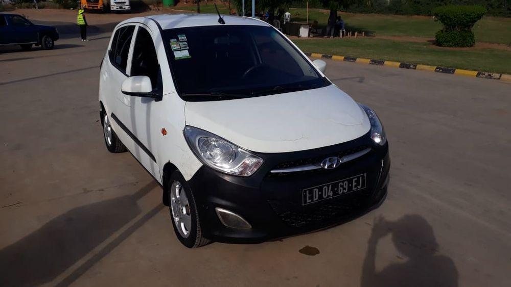 Vende-se Hyundai i10