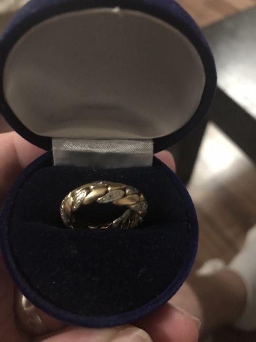 Vând inel unisex din aur 18k cântărește 9,13 gr