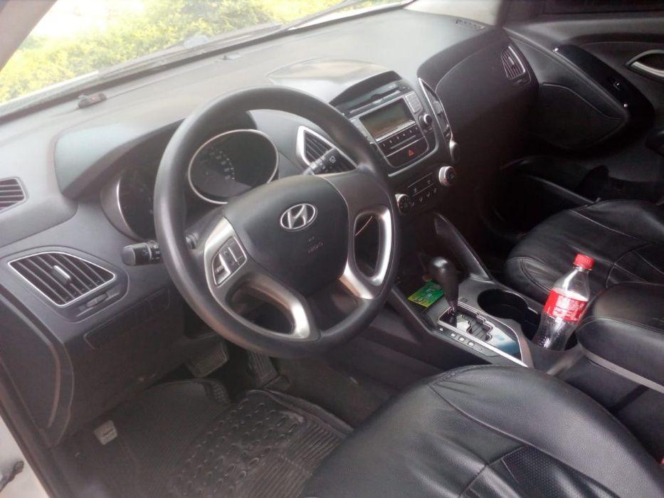 Hyundai Tucson a Venda em perfeito estado Kilamba - Kiaxi - imagem 3