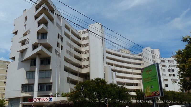 Vende-se luxuoso Apartamento Completamente mobilada no shopping 24