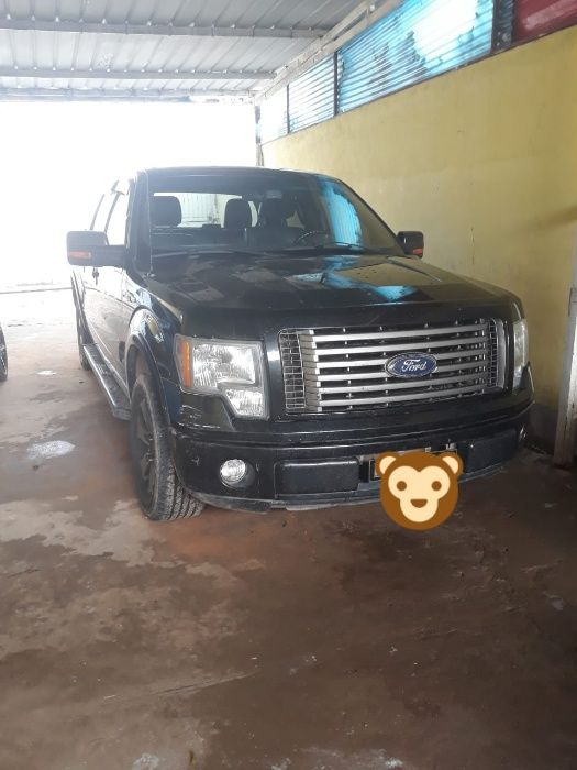 Vende-se está carrinha Ford no Huambo