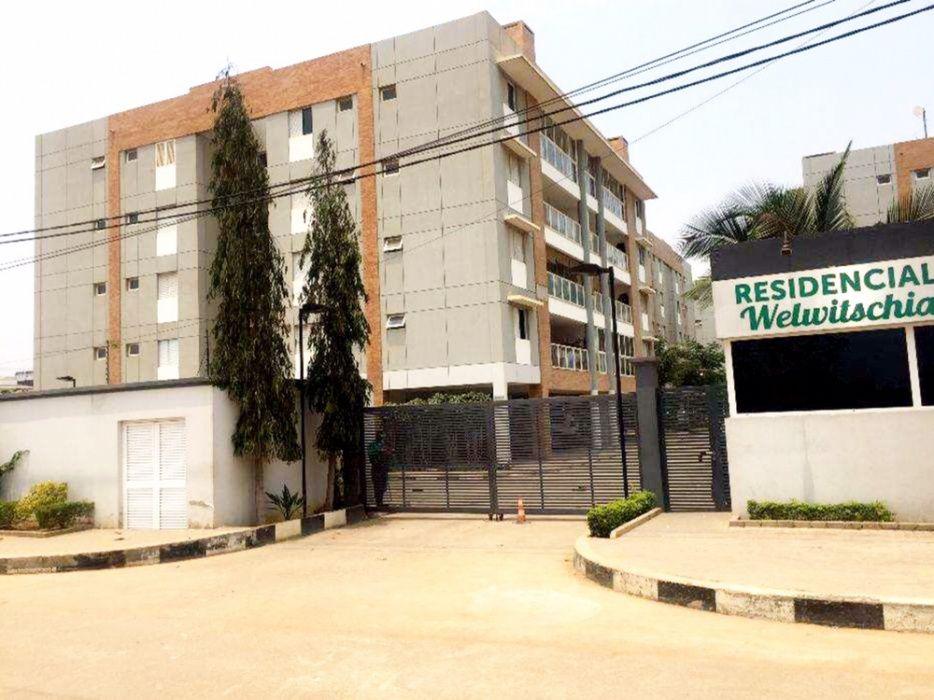 Arrendamos Apartamento T4 Condomínio Welwitshia Benfica