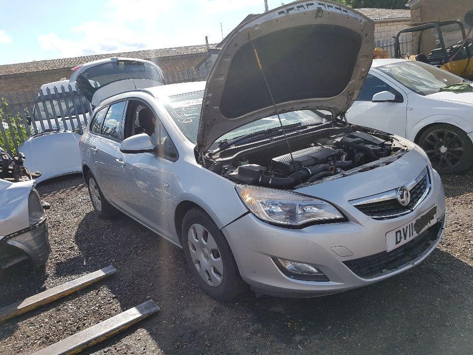 Dezmembrez Opel Astra J Break 1.7 CDTI