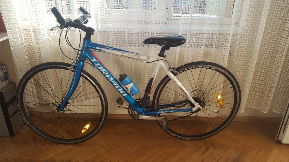 Vând bicicleta Torpado schimb cu macbook/ iMac camera DSRL mirroless