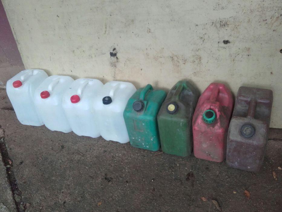 Пластмасови туби10 литра