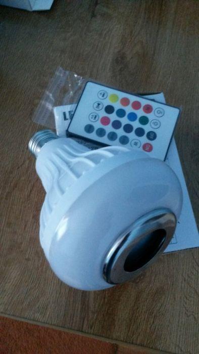 Boxa bluetooth cu joc de lumini si telecomanda se pune in loc de bec