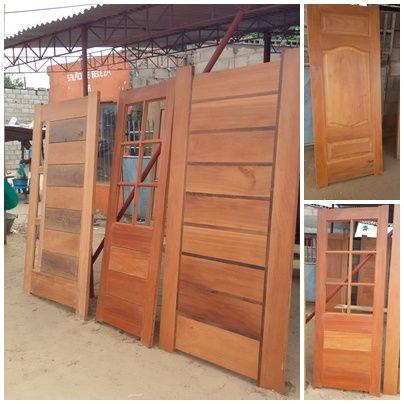 12- Carpentária de altíssima qualidade, portas pivotante