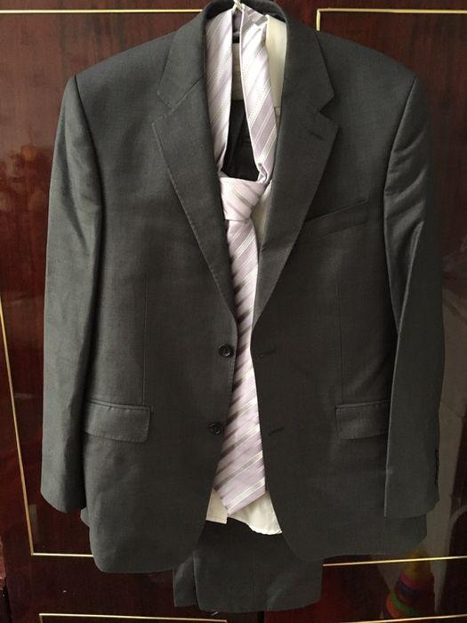 fb3becce09a7 Мужской костюм новый: 5 000 тг. - Мужская одежда Уральск на Olx